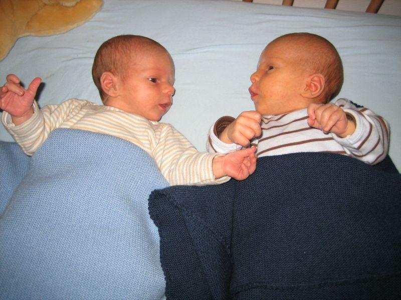 Wir zwei im zarten Alter von ein paar Wochen.